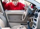 Если ключи остались в машине