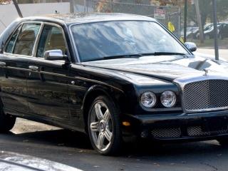 Роскошный автомобиль Bentley Arnage