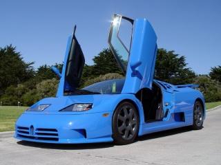 Bugatti EB 110 с открытыми дверьми