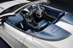 Aston Martin V8 Vantage S - родстер - вид салона