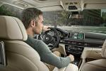 BMW X5 - интерьер салона с водительского места