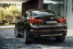 BMW X6 - вид сзади