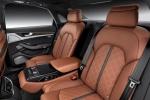 Audi Q7 - задний диван (второй ряд сидений из трёх)