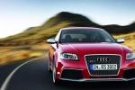 Audi RS3 в движении, вид спереди
