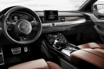 Audi S8 - вид с места водителя