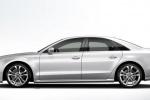 Audi S8 - вид строго сбоку, белый автомобиль