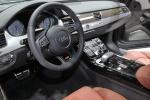 Audi S8 - салон