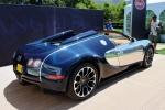 Bugatti Veyron Grand Sport - вид сзади на выставке