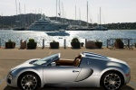 Bugatti Veyron Grand Sport у гавани - 2010 года