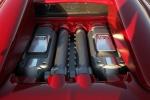 Bugatti Veyron Grand Sport - двигатель крупным планом