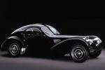 Bugatti Type 57 на чёрном фоне