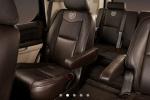 Cadillac Escalade - чёрный кожаный салон