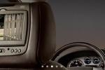 Cadillac Escalade - монитор на задних подголовниках