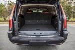 Cadillac Escalade - открытый багажник