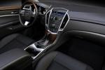 Cadillac SRX - интерьер салона