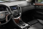 Cadillac SRX - тёмный салон